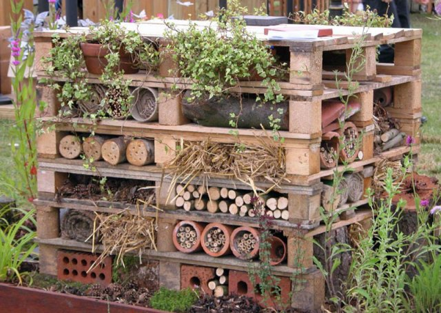 wildlife trust insect hotel from scraps and recycled bits